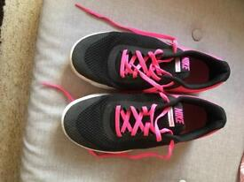 Nike black and pink mesh trainers size 5