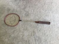 Badminton racket Carlton old but in good condition would suit a beginner £5.00 only. Metal shaft