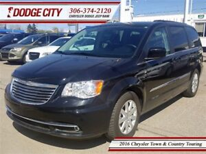 2016 Chrysler Town & Country Touring   FWD - Uconnect, Touchscre