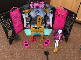 Monster High 13 Wishes Party Room Playset
