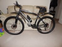 Never used Specialized Hardrock Bicycle 19 inch + Accessories FOR SALE