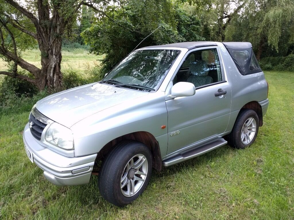 suzuki grand vitara 4x4 convertible 12 months mot low mileage new roof cover in paignton. Black Bedroom Furniture Sets. Home Design Ideas