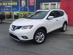 2016 Nissan Rogue SV AWD / TOIT OUVRANT PANORAMIQUE / MAGS +++