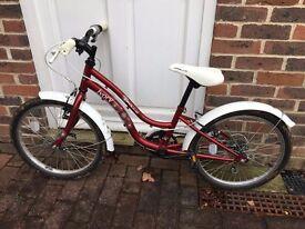 Girls bike 7-9 year old Halfords Apollo Ivory Girls Cruiser Bike 20 Inch in good condition