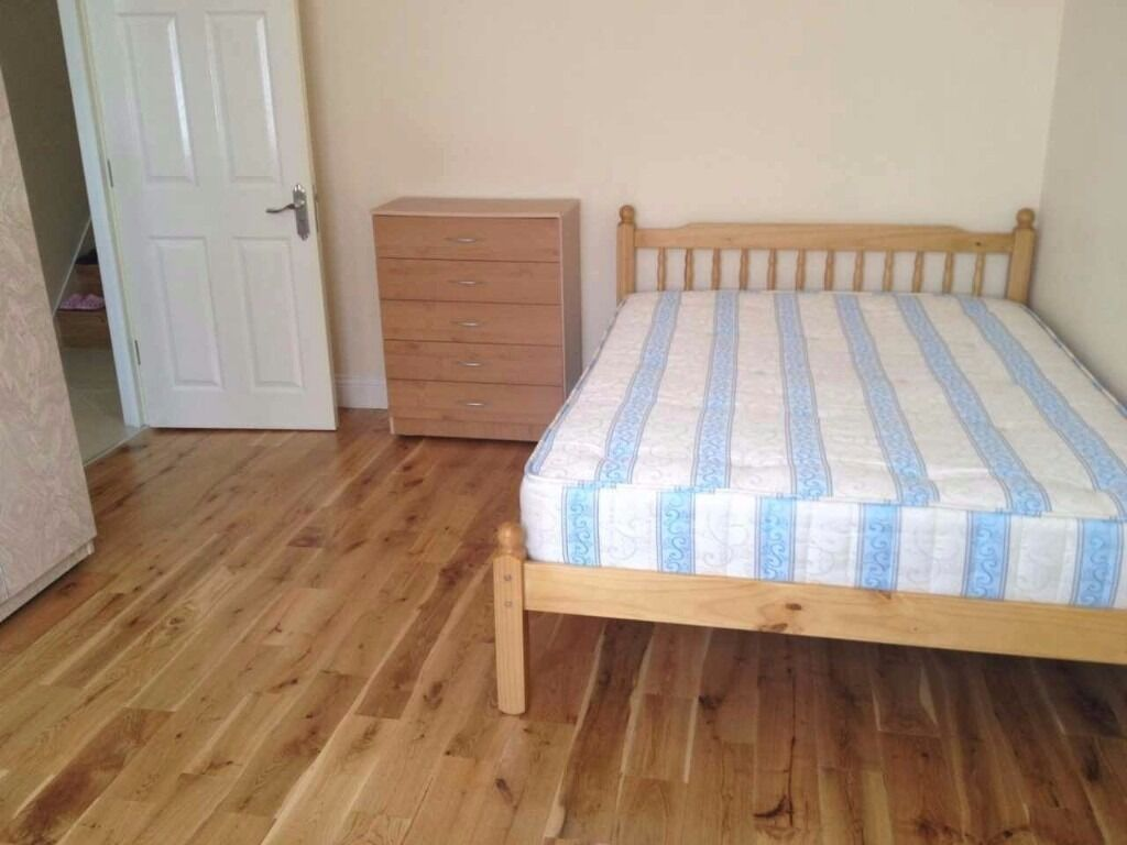 TURNPIKE LANE DOUBLE ROOM AVAILABLE NOW