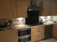 PRICED TO SELL Immaculate kitchen carcasses, doors & drawers