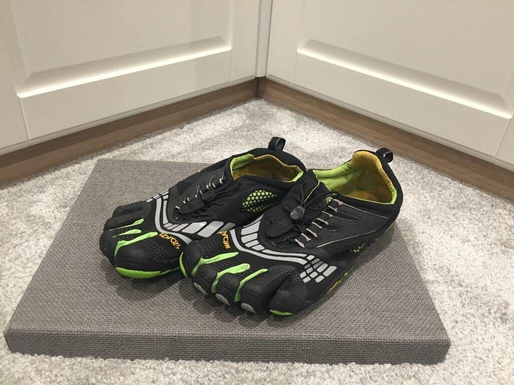 5d32fb22e2 Mens Vibram FIVE-FINGERS Barefoot Running Shoes - size 9.5-10 Or ...