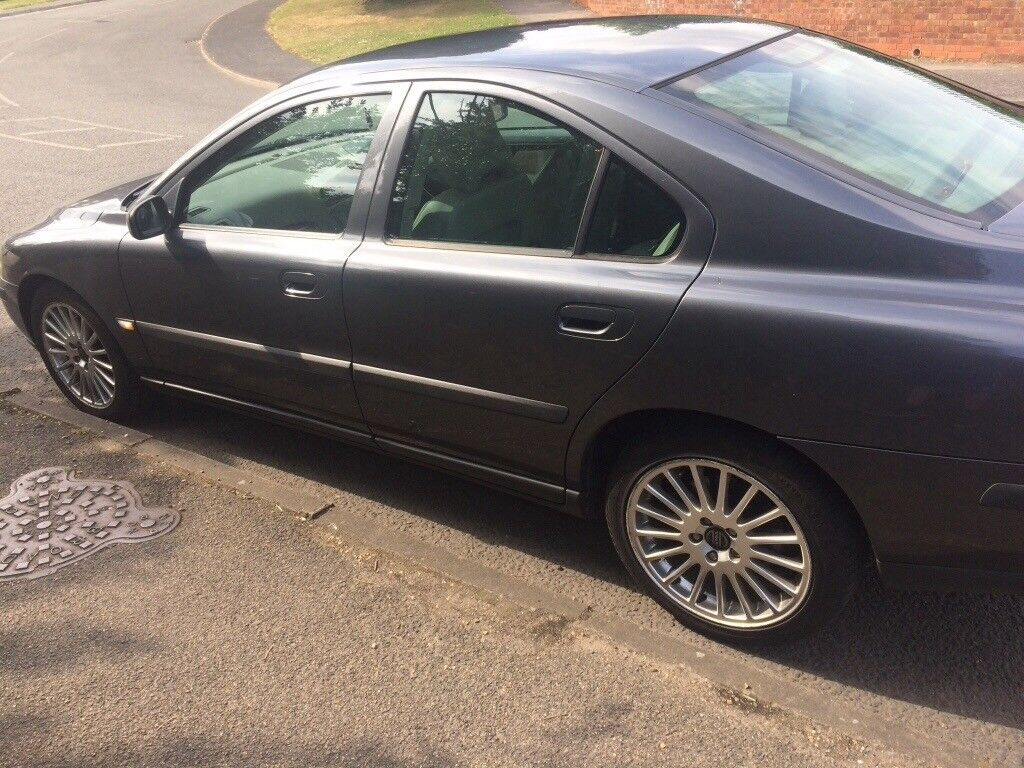 VOLVO S60 D5 LOW MILES   in Bury St Edmunds, Suffolk