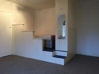 Studio flat available far Headingley..