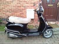 2009 Piaggio Vespa LX 125 scooter, 10 months MOT, excellent condition, service history, bargain ,,,