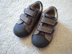 Boys Pepino Shoes, Toddler / Infant Size 5, very good condition