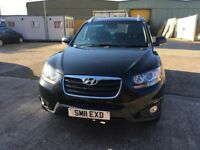 Hyundai Santa Fe 2.2 black diesel fully loaded leather Sat nav full service history 1 former owner