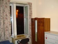 Spacious double bedroom on Alexandra Parade