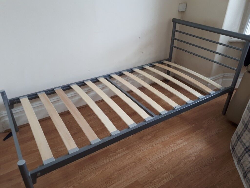 Single Metal Frame Bed With Mattress In Excellent Condition Very