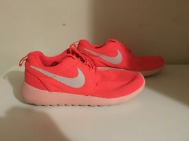 Women's Pink Nike Roshe Run gym trainers - excellent condition - size 5.5
