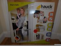 New ALDI Hauck baby stair safety gate easy pressure fit NO DRILL REQUIRED
