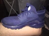 Men's blue Nike air huraches size 9