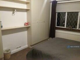 1 bedroom in North Way, Uxbridge, UB10 (#1014721)