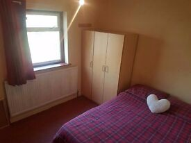 **WONDERFUL 2 BEDROOM FLAT TO RENT IN ILFORD** *PART DSS WELCOME*