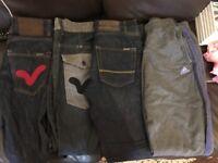 Boys voi jeans