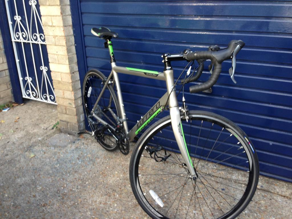 LIKE NEW CARRERA RACING ROAD BIKE £400 NEW (bike, cycle, carbon, trek, giant)