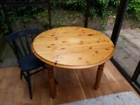 Solid Pine Double Drop-Leaf Dining Table. Excellent Condition. £25