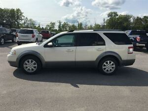 2009 Ford Taurus X SEL... Heated leather bkts, Power liftgate, Q Kingston Kingston Area image 5