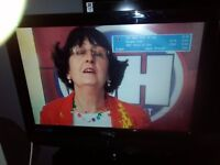 """TECHNIKA 19"""" TV/DVD WITH BUILT IN FREE VIEW ON STAND WITH NEW REMOTE"""