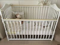 Beautiful White Drop Side Cot Incudes Unisex Bedding & Extras....