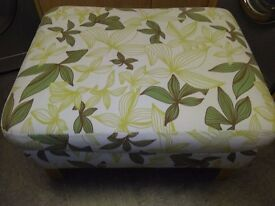LARGE DOUBLE PADDED FOOTSTOOL / POUFFE, WITH LIGHT WOOD FEETS SIZE IS 32 W X 26 X 17 HG