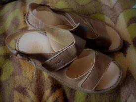 Fly flott sandals size 6