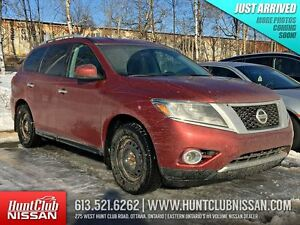 2014 Nissan Pathfinder SV |7 Passenger,  Heated Seats, Rear Came
