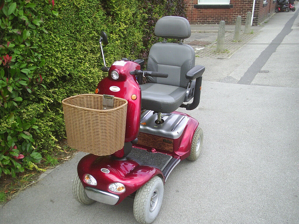 SHOPRIDER CADIZ DELUXE 8 MPH MOBILITY SCOOTER 25 ST USER WEIGHT good condition