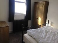 Double room to rent in Kemp town half way between hospital and Amex