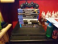 PS4 Slim 500GB + 1 Controller + 7 Games + 2 Blu Ray Films