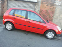 ((CLEAN and CHEAP)) 03 FIESTA 5 door with new MOT