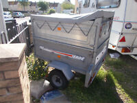 erde trailer with canopy