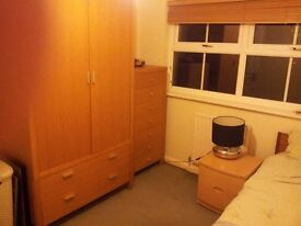 £250 per month all bills included. Broadstone - quiet area near parks and shops