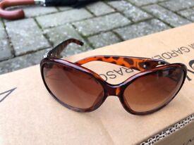 2d78989217c Genuine and brand new mens rayban wayfarer sunglasses