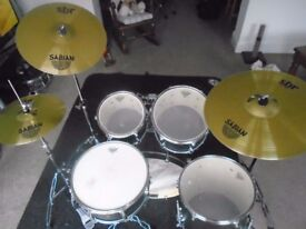 Mapex V series Drum kit complete with hardware and cymbals