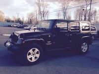 2012 JEEP WRANGLER UNLIMITED 4 DR SAHARA, AUTOMATIQUE, 2 TOITS