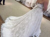 Never Worn! Justin Alexander Wedding Dress 8766. Ivory/Gold, Chantily Lace Size 14-16