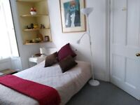 Cosy double room in Cliftonwood