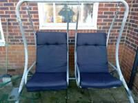 Outdoor garden swinging chair