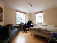 Large 2/3 bed flat seconds from Regents Canal and short walk to OLD STREET ideal for sharers