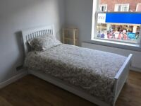 Single Room Furnished - Modern Flat - Victoria
