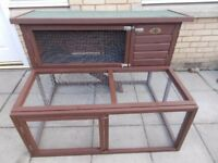 RABBIT HUTCH WITH BUILT IN RUN