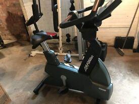 Life Fitness 9500 exercise Bike