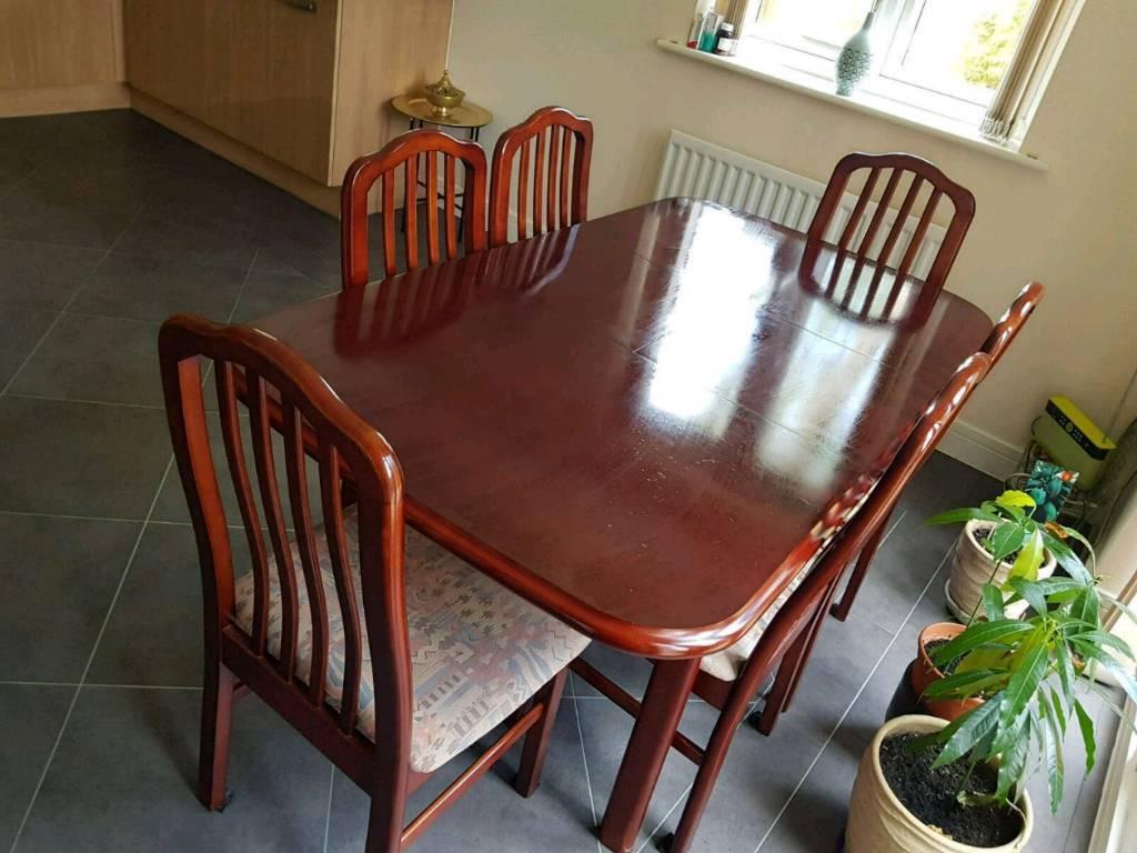 Mahagony Dining Table Set