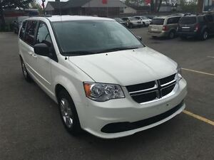 2012 Dodge Grand Caravan SXT Great Family Vehicle !!!!!! London Ontario image 7